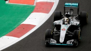 FP1 - Hamilton pips Vettel as teams get to grips with Mexico
