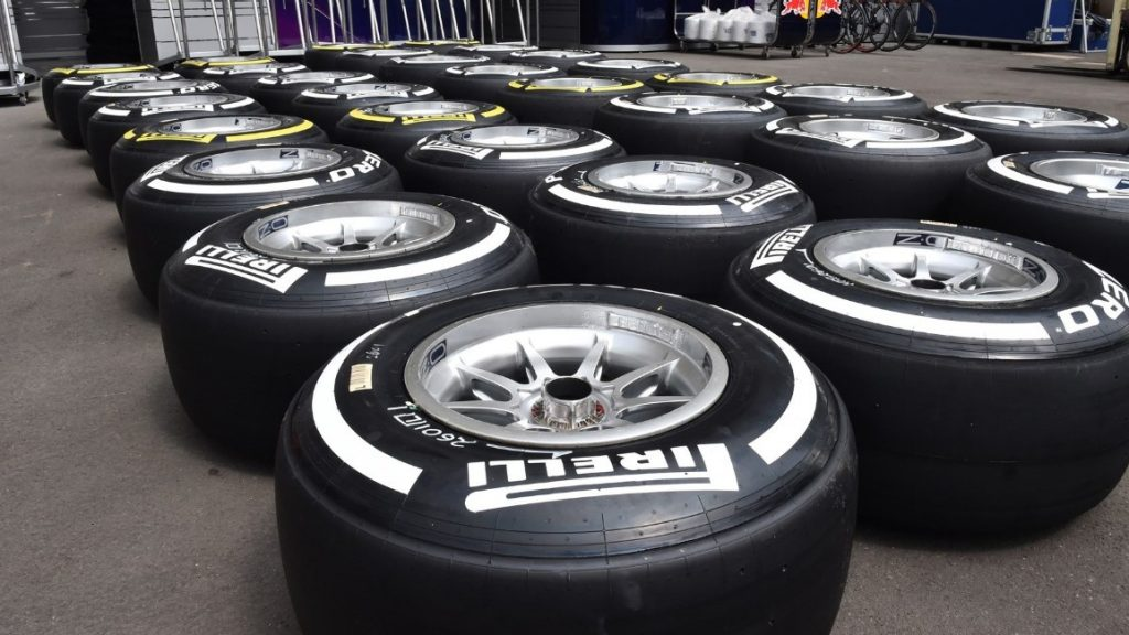 Mercedes%20play%20it%20safe%20on%20Mexico%20tyre%20choices