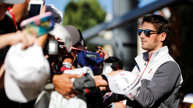 Romain Grosjean (FRA) Haas F1 signs autographs for the fans at Formula One World Championship, Rd18, United States Grand Prix, Qualifying, Circuit of the Americas, Austin, Texas, USA, Saturday 22 October 2016. &copy&#x3b; Sutton Images