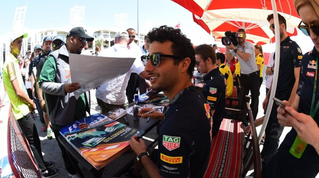 Daniel Ricciardo (AUS) Red Bull Racing at the autograph session at Formula One World Championship, Rd2, Bahrain Grand Prix Qualifying, Bahrain International Circuit, Sakhir, Bahrain, Saturday 2 April 2016. &copy&#x3b; Sutton Motorsport Images