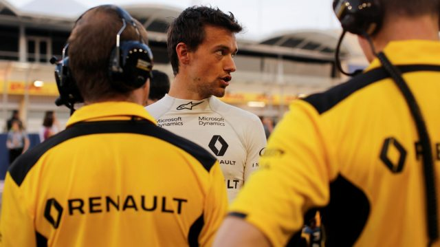 Jolyon Palmer (GBR) Renault Sport F1 Team at Formula One World Championship, Rd2, Bahrain Grand Prix Race, Bahrain International Circuit, Sakhir, Bahrain, Sunday 3 April 2016. &copy&#x3b; Sutton Motorsport Images