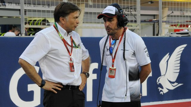 Fernando Alonso (ESP) McLaren and Jost Capito (GER) McLaren on the grid at Formula One World Championship, Rd2, Bahrain Grand Prix Race, Bahrain International Circuit, Sakhir, Bahrain, Sunday 3 April 2016. &copy&#x3b; Sutton Motorsport Images