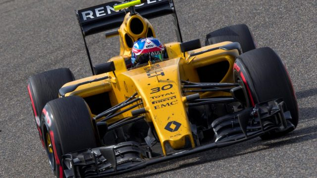 Jolyon Palmer (GBR) Renault Sport F1 Team RS16 at Formula One World Championship, Rd3, Chinese Grand Prix, Race, Shanghai, China, Sunday 17 April 2016. &copy&#x3b; Sutton Motorsport Images