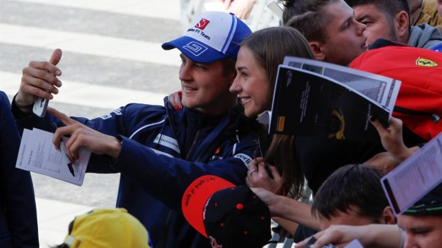 Marcus Ericsson (SWE) Sauber taking a selfie during the autograph session at Formula One World Championship, Rd15, Russian Grand Prix, Race, Sochi Autodrom, Sochi, Krasnodar Krai, Russia, Sunday 11 October 2015. &copy&#x3b; Sutton Motorsport Images