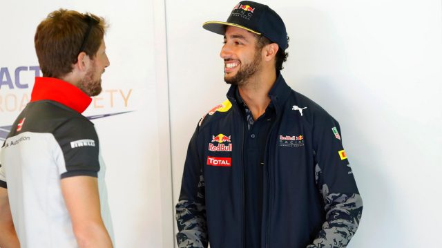 Romain Grosjean (FRA) Haas F1 and Daniel Ricciardo (AUS) Red Bull Racing at Formula One World Championship, Rd5, Spanish Grand Prix, Race, Barcelona, Spain, Sunday 15 May 2016. &copy&#x3b; Sutton Images