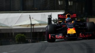Qualifying - Ricciardo storms to maiden pole in Monaco
