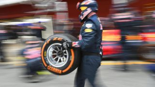 Top teams steer clear of hard tyres for Spain
