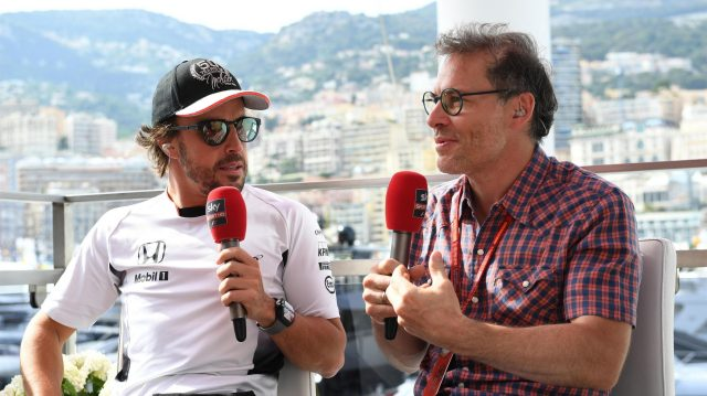 Fernando Alonso (ESP) McLaren and Jacques Villeneuve (CDN) Movistar TV at Formula One World Championship, Rd6, Monaco Grand Prix, Qualifying, Monte-Carlo, Monaco, Saturday 28 May 2016. &copy&#x3b; Sutton Images