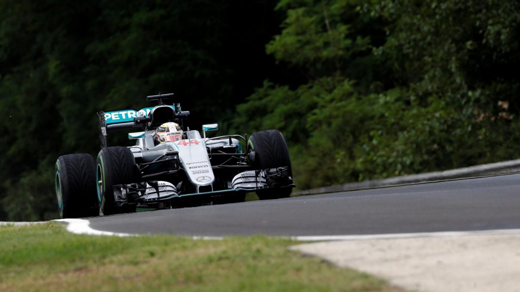 FP1%20-%20Hamilton%20fastest%20as%20Mercedes%20set%20Hungary%20pace