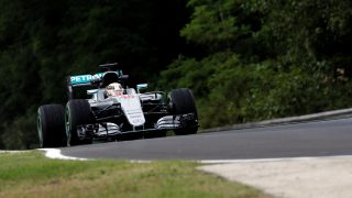 FP1 - Hamilton fastest as Mercedes set Hungary pace