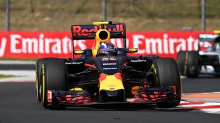FP3 - Verstappen pushes Rosberg all the way
