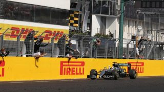 Hamilton takes championship lead with Hungary win