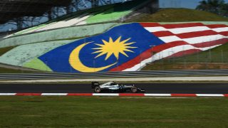 FP1 - Rosberg fastest as Renault fire delays session