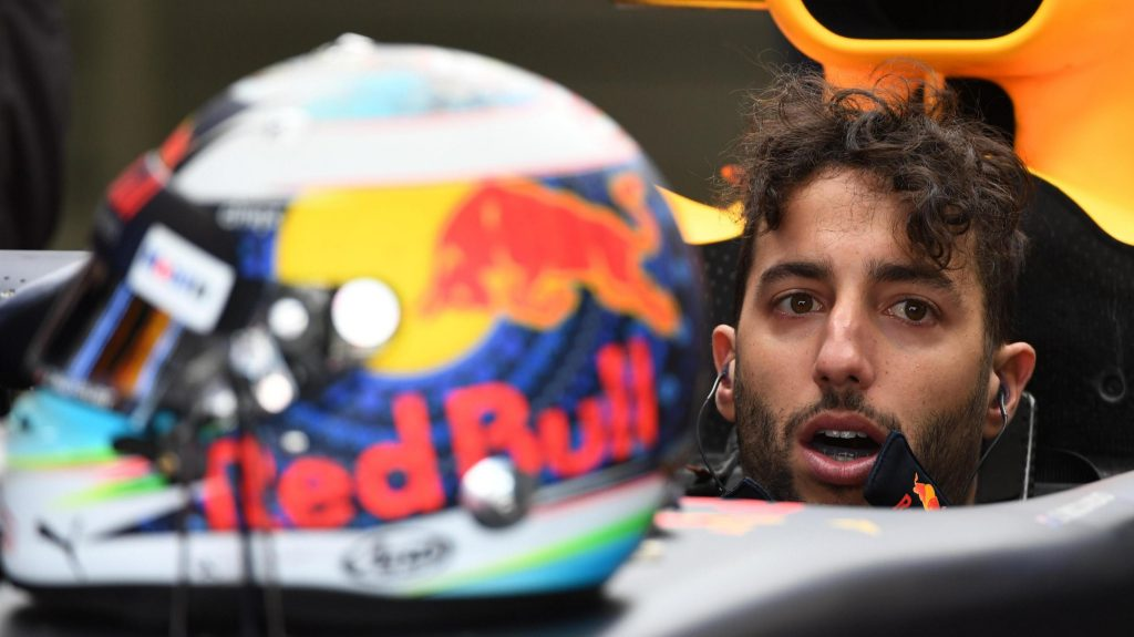 FP2%20-%20Ricciardo%20fastest%20as%20Red%20Bull%20make%20their%20move