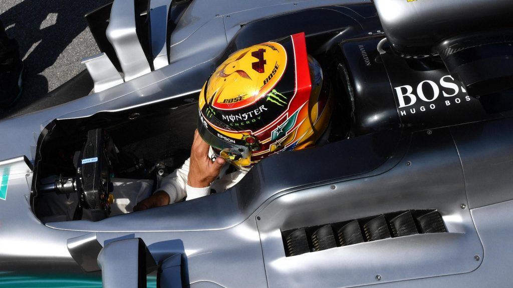 Qualifying%20-%2065th%20pole%20puts%20Hamilton%20level%20with%20Senna