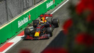 Race - Ricciardo beats Bottas in Baku, as title rivals come to blows