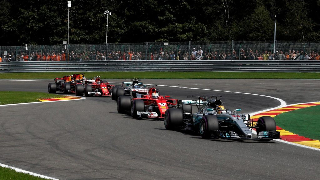 Race%20-%20Hamilton%20holds%20off%20Vettel%20to%20halve%20title%20deficit