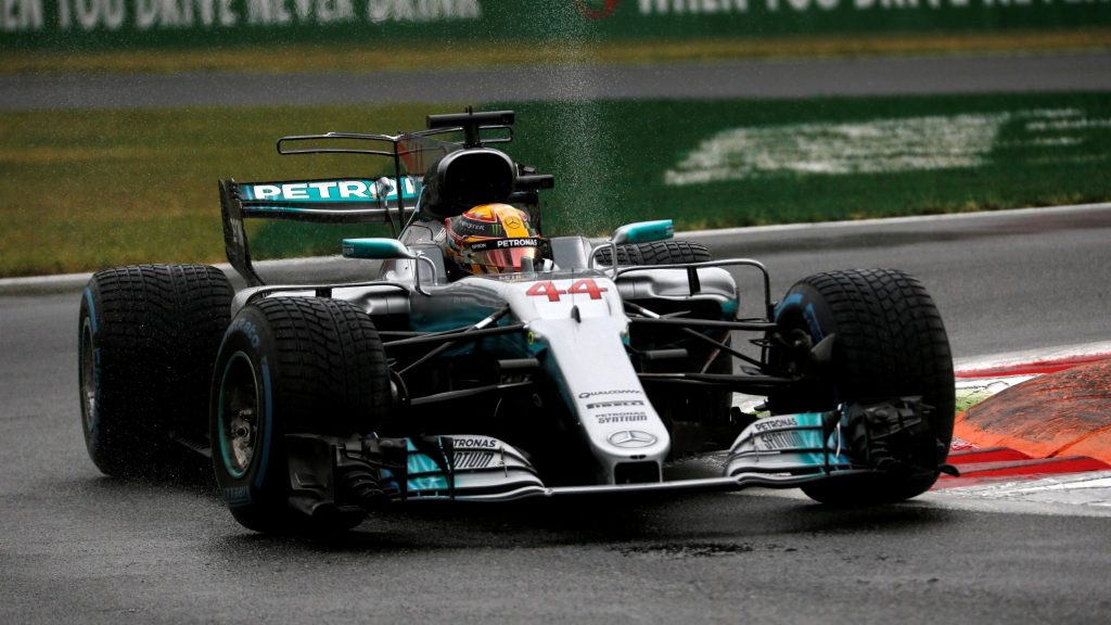 Qualifying%20-%20Hamilton%20takes%20pole%20record,%20Stroll%20to%20start%20second