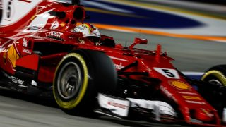 Qualifying - Vettel spoils Red Bull party with Singapore pole
