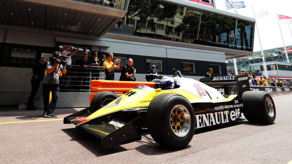 Renault%20to%20warm%20up%20French%20F1%20fans%20with%20demo%20in%20Nice