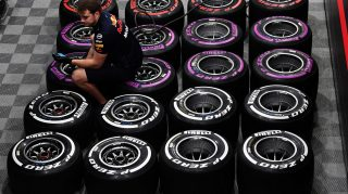 Mercedes, Ferrari and Red Bull differ on Melbourne tyre strategies