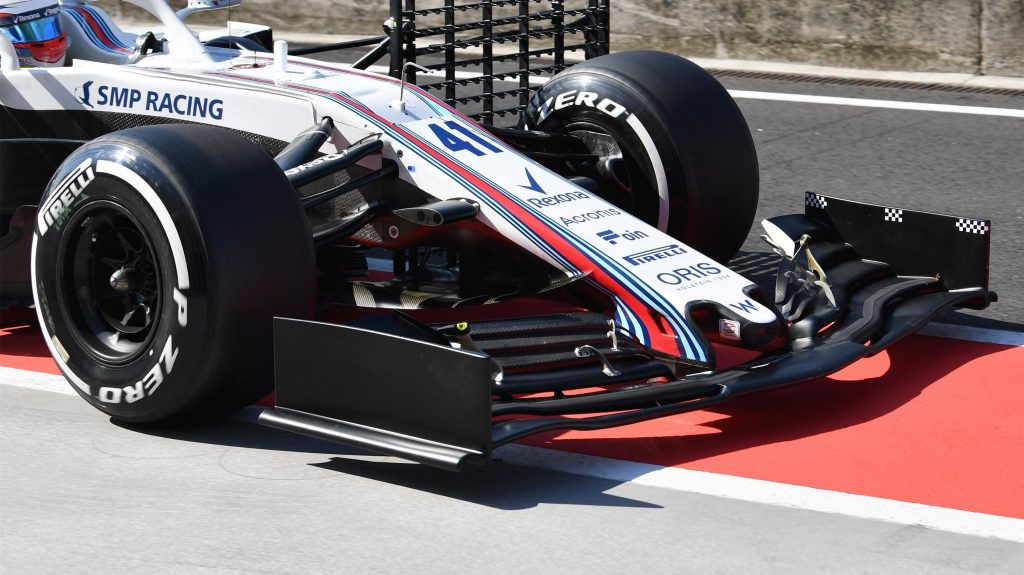 https://www.formula1.com/content/fom-website/en/latest/headlines/2018/7/f1-2019-front-wing-designs-make-debut-in-hungary-testing/_jcr_content/featureContent/manual_gallery/image5.img.1024.medium.jpg/1533034268886.jpg