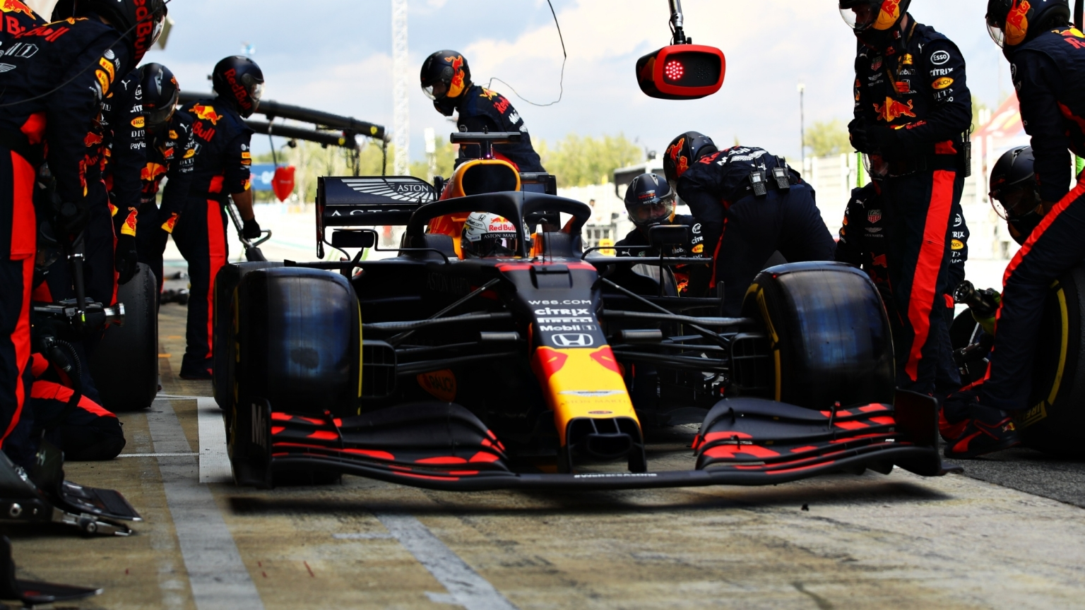 Red Bull F1 Racing Team Verstappen Albon