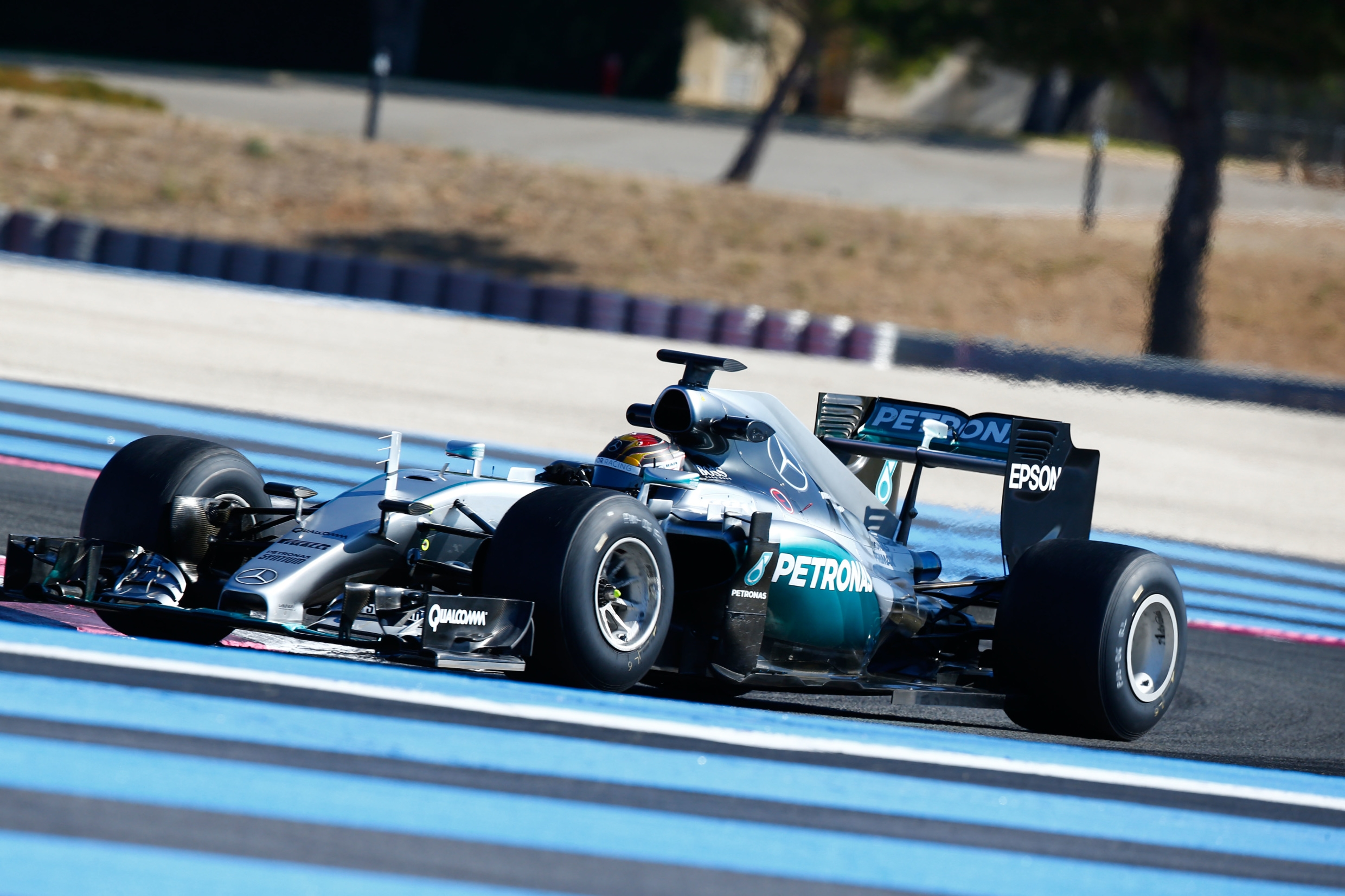 Hamilton pips Bottas for Mercedes one-two at Paul Ricard