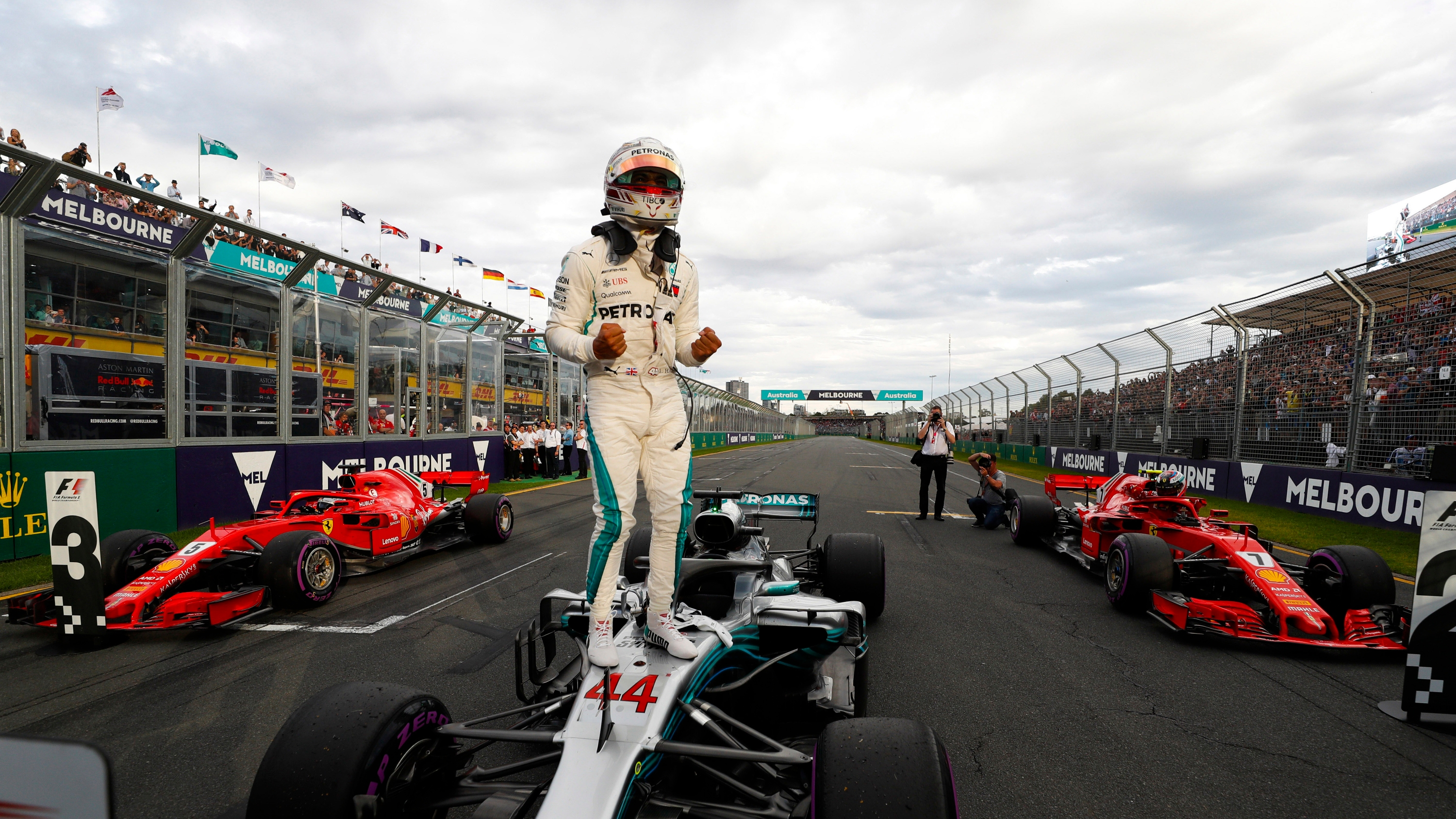 Hamilton grabs pole, Ricciardo fifth in French Grand Prix